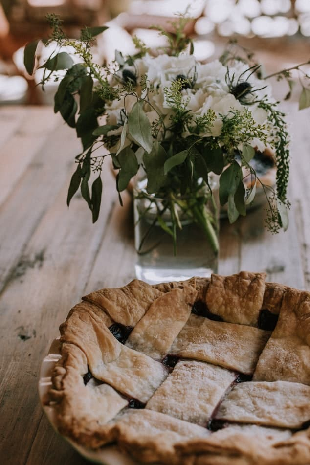 Pie with flower
