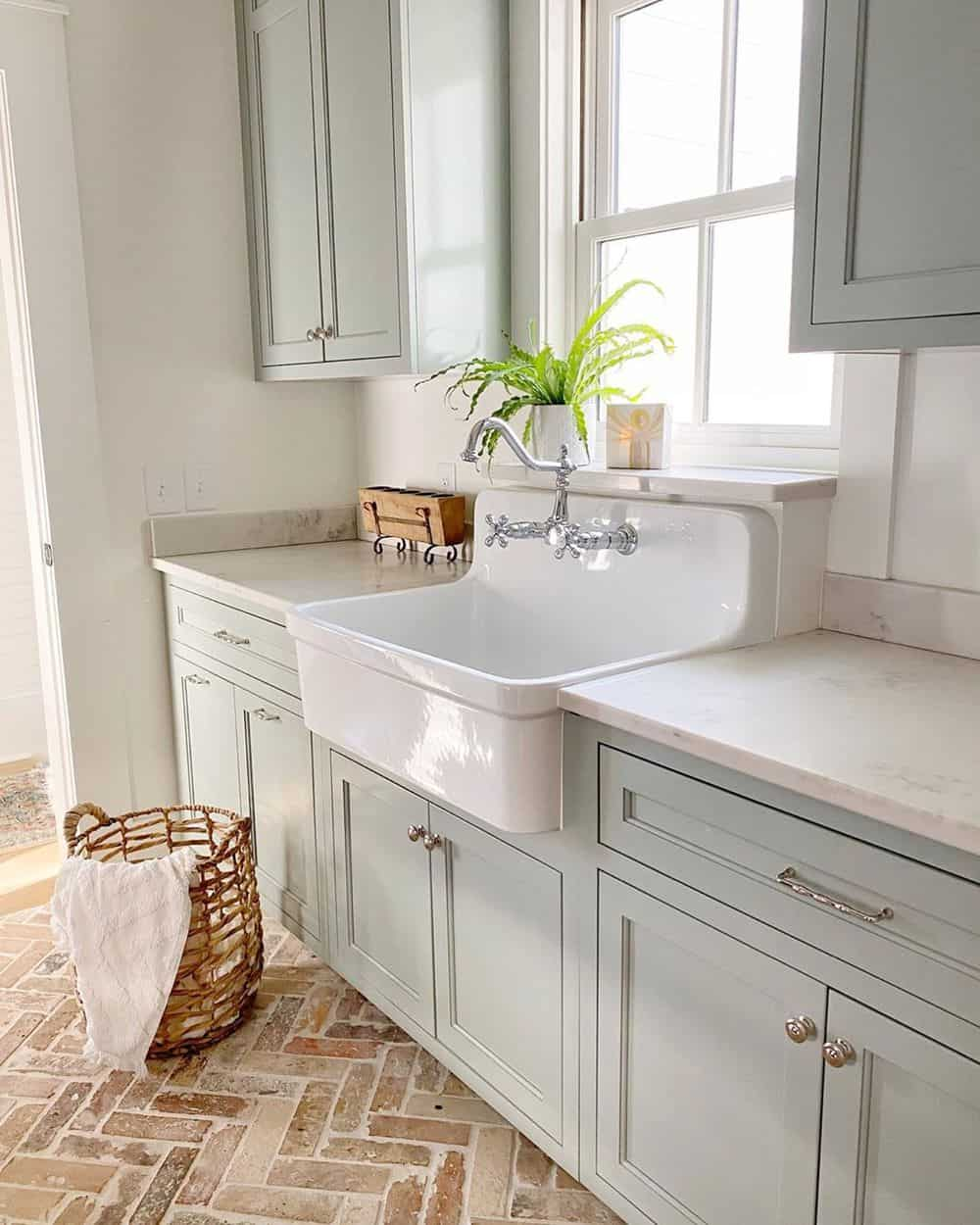 What are the alternatives to Marble for Kitchen Countertops? We listed 7 top popular alternatives for you to choose. #cou