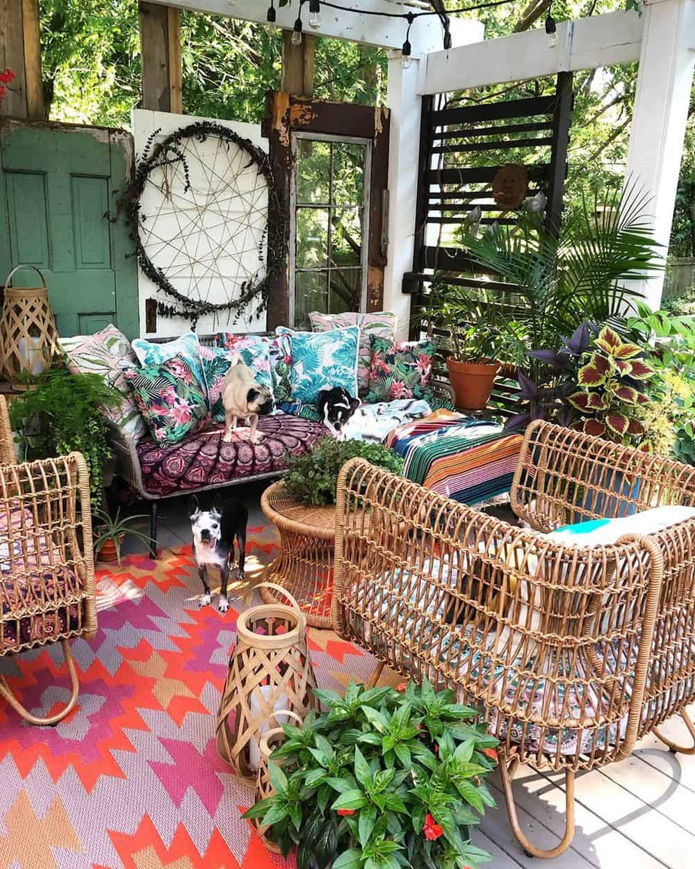 If you have patio and don't know how to match the decor with your interior? Our post on share ideas on how to complement your outdoor patio with your home interior. #patio #outdoor #homedesign #homedecor