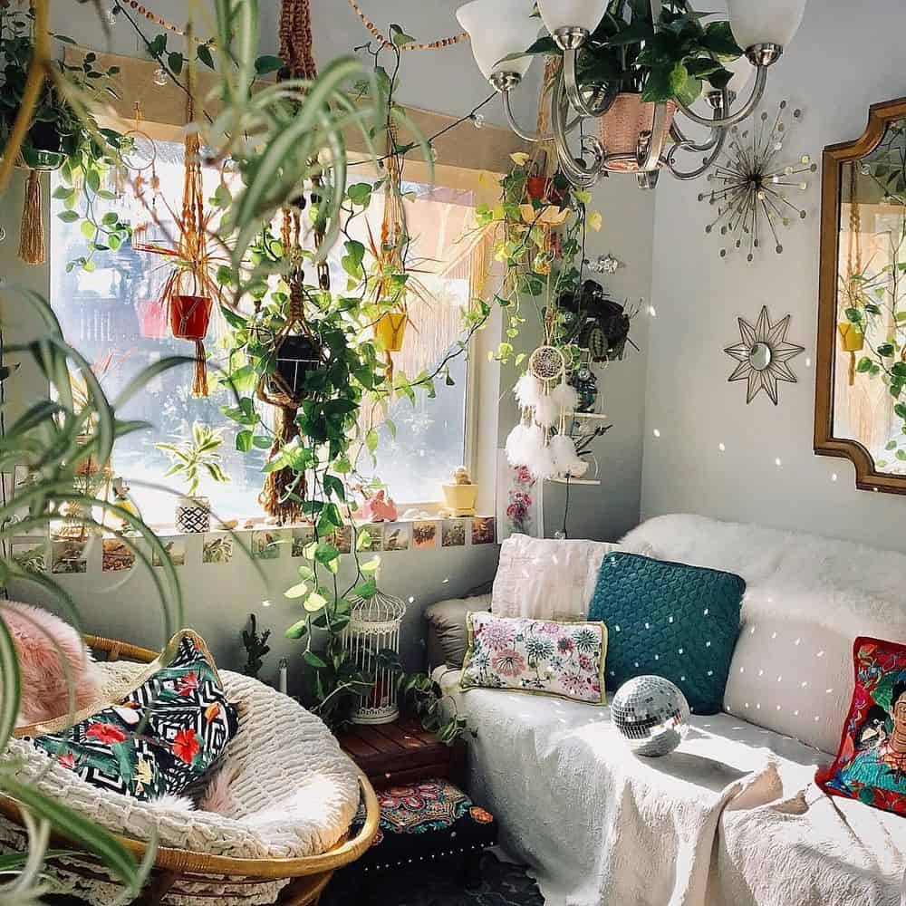 How to add bohemian taste to your bedroom? Take a look at our bohemian bedroom ideas and give your bedroom a bobo makeover. #bohemian #boho #bedroom #homedecor #interiordesign #homedesign