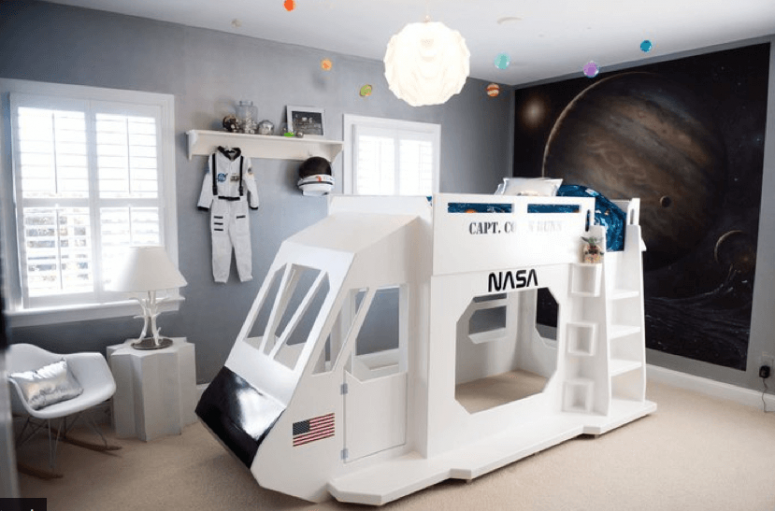 Space Themed Bedroom - Space shuttle double decker bed