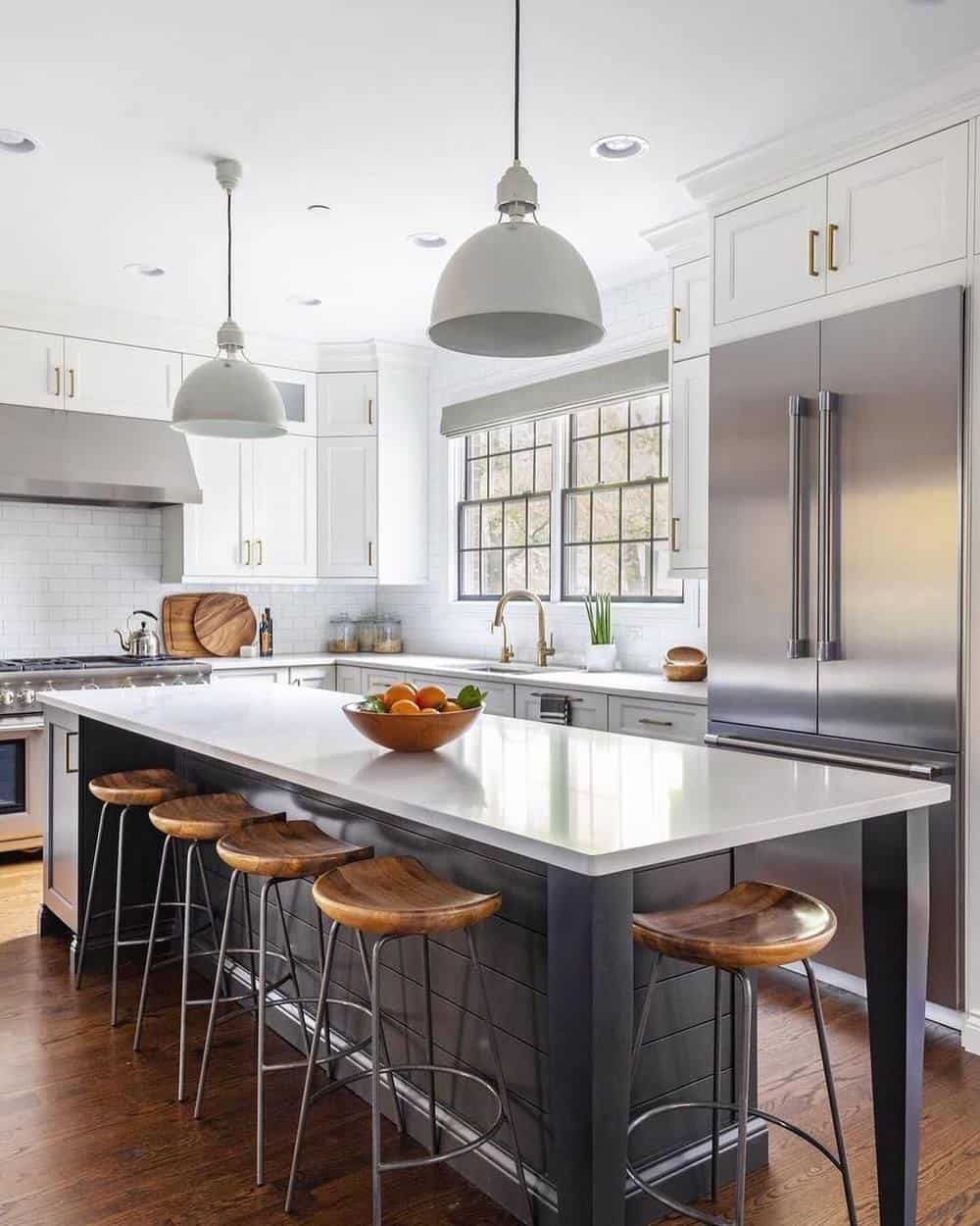 Great Kitchen Island Ideas For Your Inspiration - White Island With Glossy Top