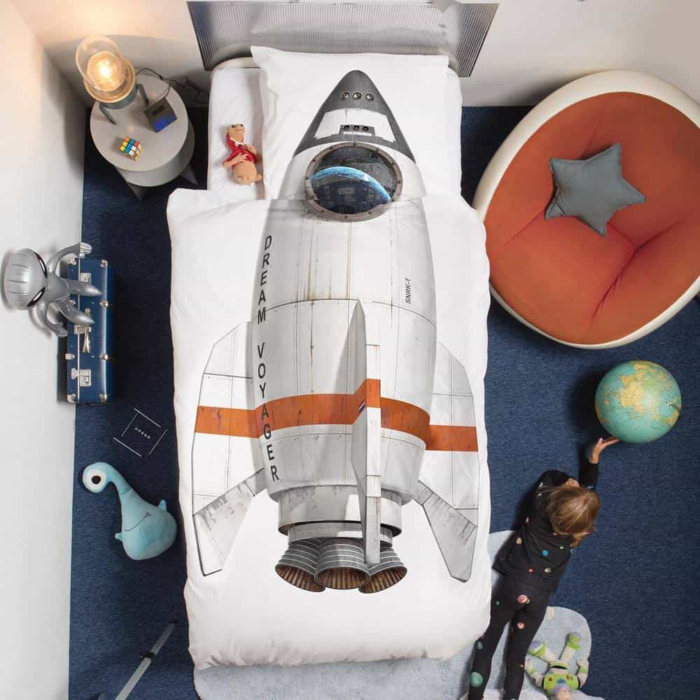 Space Themed Bedroom - Space shuttle bedding and bedsheet