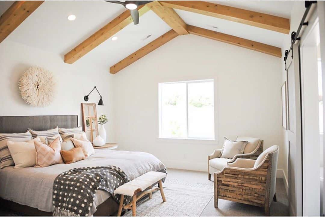 Remodeling Your Master Bedroom With Great Ideas - Seating Area