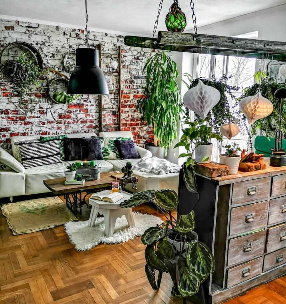 Decorate Your Living Room With These Inspiring Wall Ideas - Amazon Forest Vibe