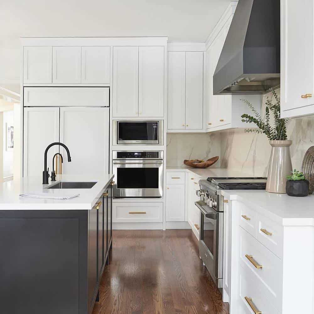 Best Ideas to Decorate Your Modern Country Kitchen - Add a lot of Cabinets for More Storage