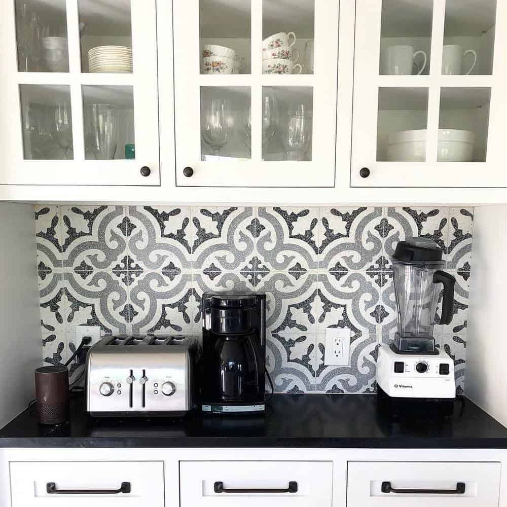 Best Ideas to Decorate Your Modern Country Kitchen - The Advantage of Backsplash